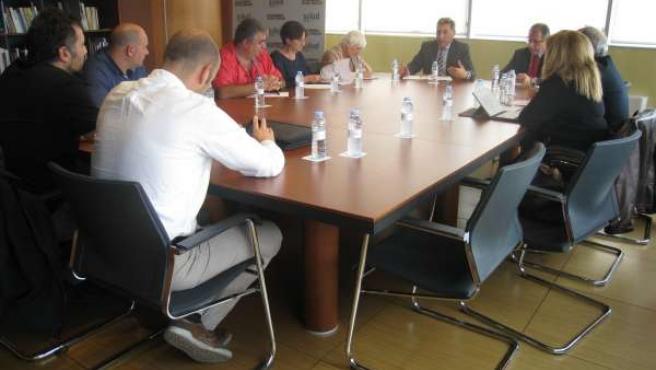 Reunión del consejero de Sanidad con sindicatos