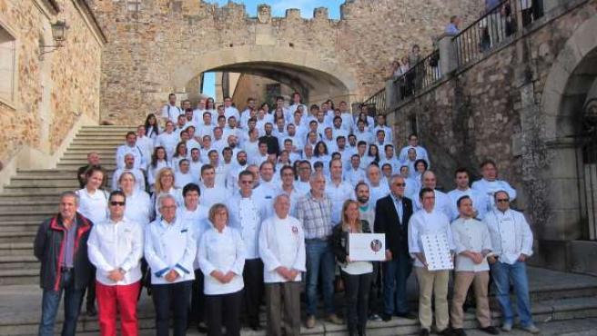 Hosteleros apoyando a Cáceres como Capital Española de la Gastronomía