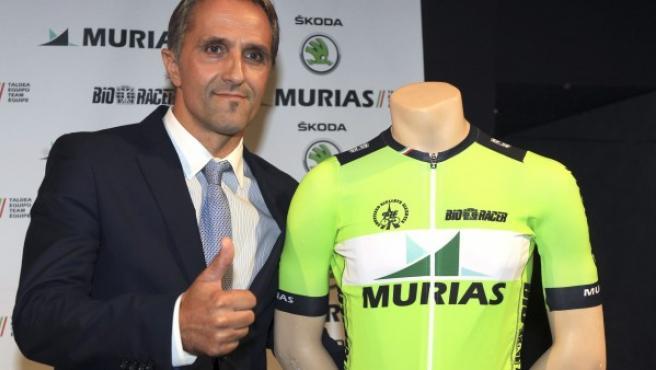 Jon Odriozola, director deportivo del Murias Taldea, nuevo equipo ciclista profesional vasco promovido por la Sociedad Ciclista de Arratia (Arratiako Ziklista Elkartea), durante su presentación en Bilbao.