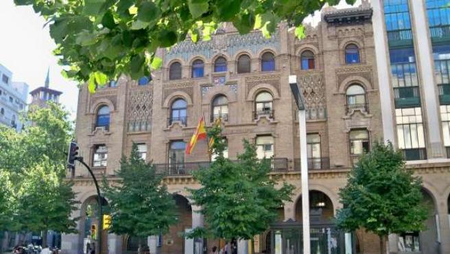 Edificio De Correos En Zaragoza