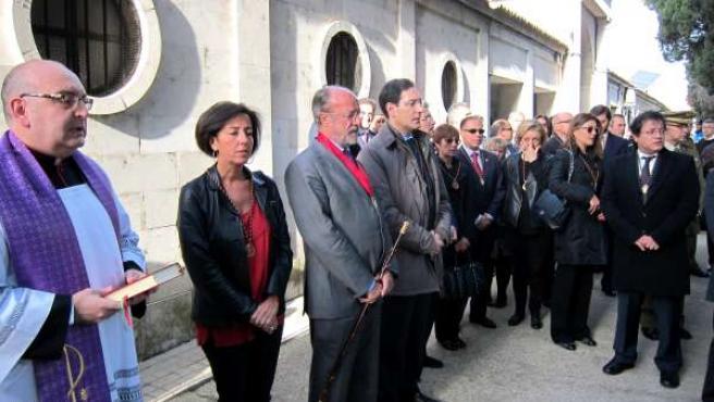 Recuerdo de la Corporación Municipal a los Ilustres en el Día de lso Difuntos