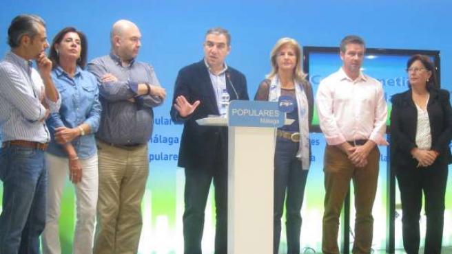 Elías Bendodo PP Málaga junto a parlamentarios del PP Oña, Rico, Díaz, Garrido..