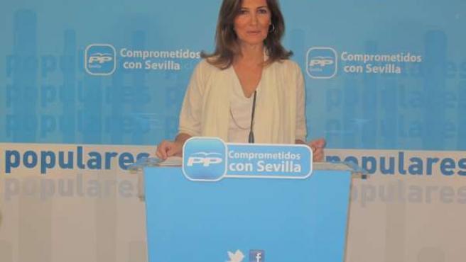 La parlamentaria del PP por Sevilla, Alicia Martínez, en rueda de prensa