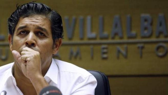 El regidor de Collado Villalba, Agustín Juárez, anuncia su dimisión tras ser imputado en la operación Púnica.