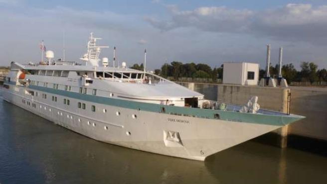 El crucero Tere Moana en Sevilla