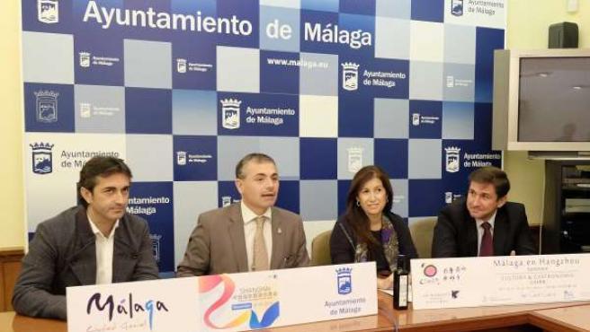José Carlos García, Andrade y del corral en rueda de prensa China feria turismo