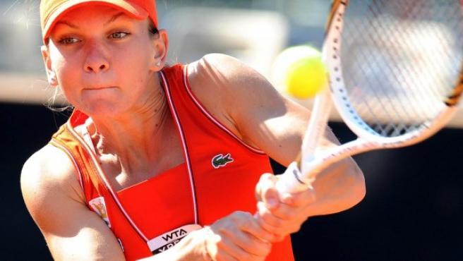 La tenista rumana Simona Halep, en acción durante un partido.