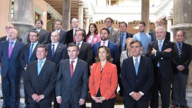 Los presidentes, diputados y técnicos que han asistido a reunión del Consorcio