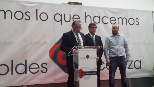 Aliaga visita ampliación de las instalaciones Moldes J. Cereza.