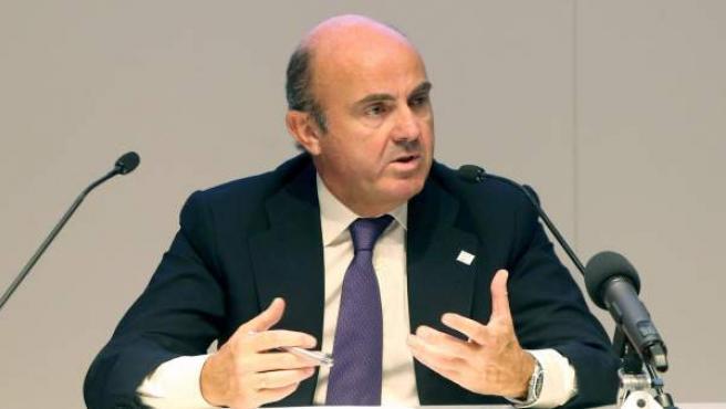El ministro de Economía, Luis de Guindos, en la reunión de los ministros de Economía y Finanzas de la Unión Europea (Ecofin).