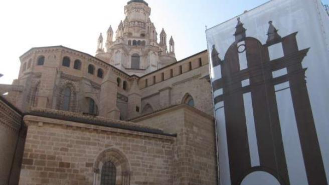 Lateral De La Catedral De Tarazona