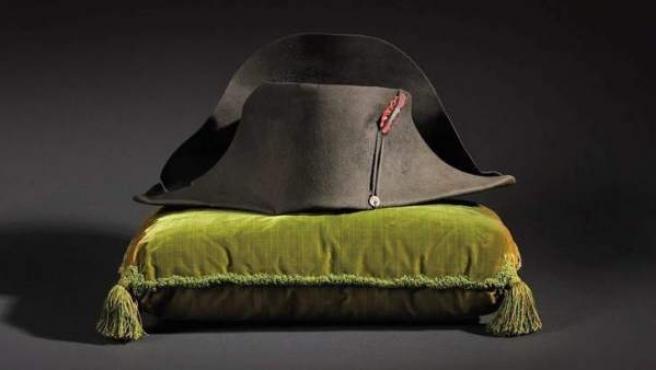 Bicornio que perteneció a Napoleón Bonaparte y ha sido adquirido por 1,89 millones en una subasta en París.