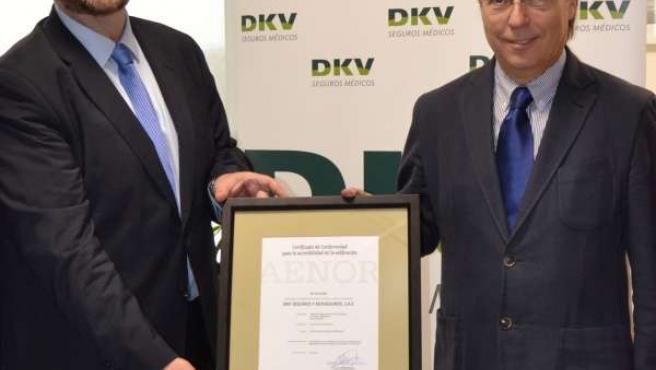 Entrega certificación AENOR a la Torre DKV
