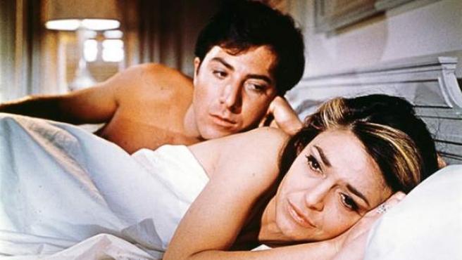 Mrs Robinson, la atractiva protagonista de El Graduado, puede ser considerada un ejemplo de madre arpía. Interponerse entre una hija y su novio está muy feo.