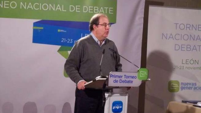 Herrera clausura el Torneo Nacional de Debate de NNGG
