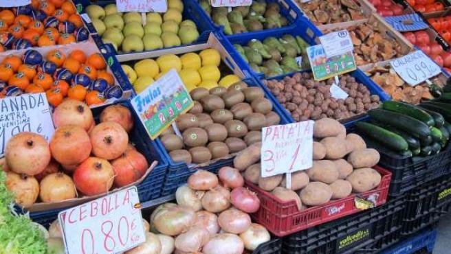 Frutas y hortalizas de un puesto del Mercado de la Marquesina de Valladolid