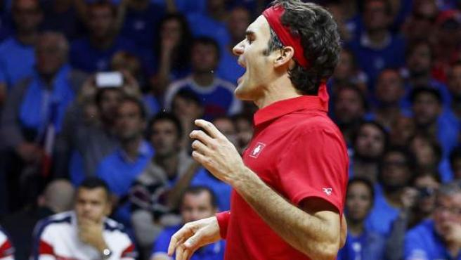 Así celebró Roger Federer su victoria sobre Richard Gasquet, que le dio a Suiza su primera Copa Davis.