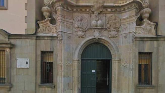 Fachada de la Audiencia de León.