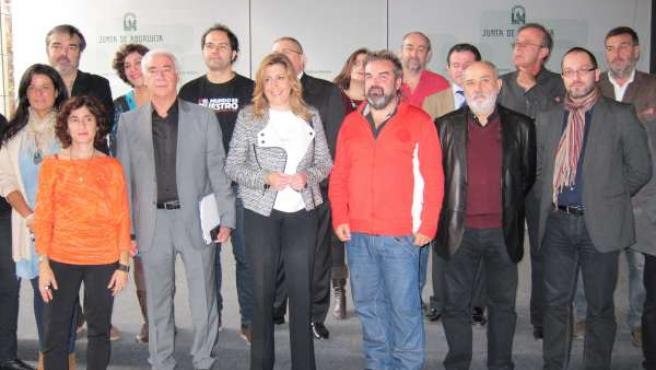 La presidenta de la Junta, Susana Díaz, con el sector audiovisual andaluz
