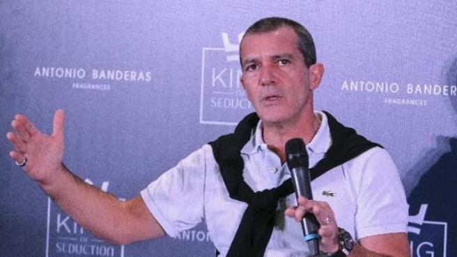 Banderas explica en Buenos Aires su próximo proyecto, en el que dará vida al pintor Pablo Picasso.