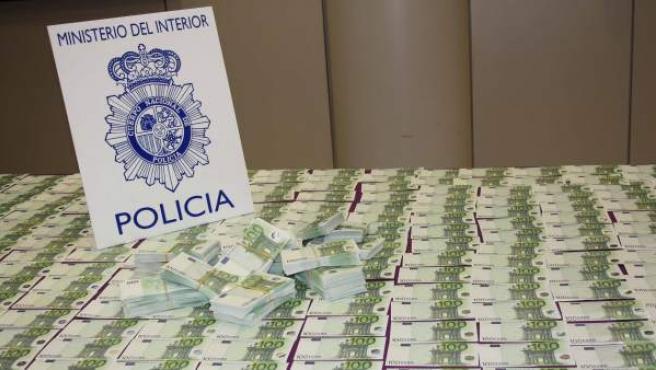Billetes falsos de 100€ incautados por la Policía en una de sus últimas operaciones.