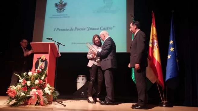 Entrega del I Premio de Poesía 'Juana Castro'