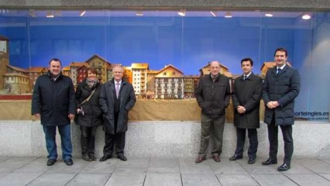 Belén colocado en un escaparate de El Corte Inglés de Pamplona.