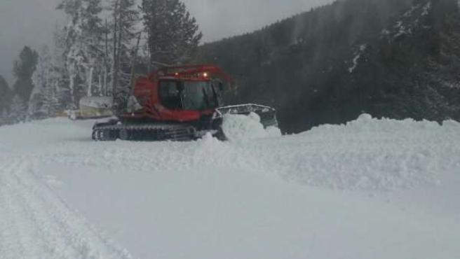 Trabajos para producir nieve artificial en Espot y Port Ainé