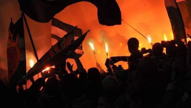 Imagen de ultras de un equipo de fútbol.