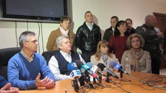 Familiares de las víctimas de la secta, durante la rueda de prensa de este miércoles