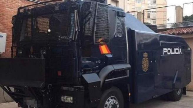 Camión de la Policía Nacional.