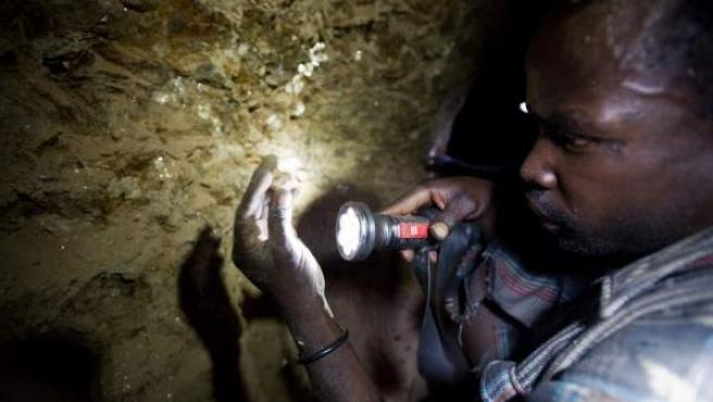 En las minas de tanzanita, en Tanzania, las condiciones de trabajo son muy duras.