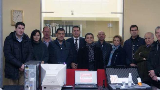 Herreros asiste a presentación sistema seguridad avanzado de Santurdejo