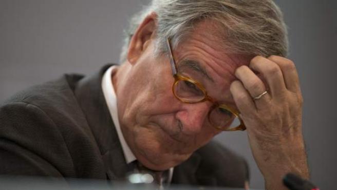 El alcalde de Barcelona, Xavier Trias, durante la rueda de prensa en la que ha negado tener dinero oculto en Andorra.
