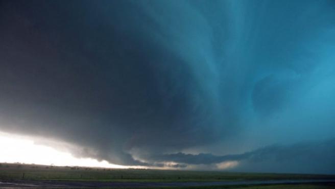 Imagen de una tormenta momentos antes de formar un tornado.