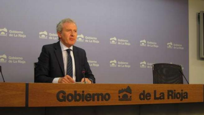 El portavoz del Gobierno riojano, Emilio del Río, informa Consejo de Gobierno