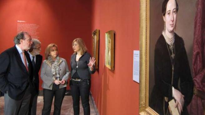 Serrat ha inaugurado este viernes la exposición 'Mujeres'