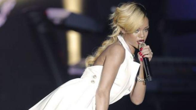 Rihanna se inspira en Madonna en su último concierto.