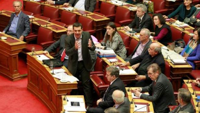 Alexis Tsipras (líder de Syriza), en una imagen de archivo, dirigiéndose al parlamento griego.