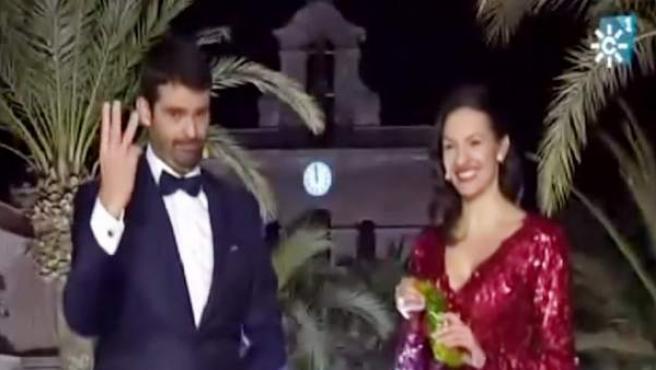 El chef Enrique Sánchez y la actriz Ana Ruiz, justo antes de las frustradas campanadas de Nochevieja en Canal Sur.