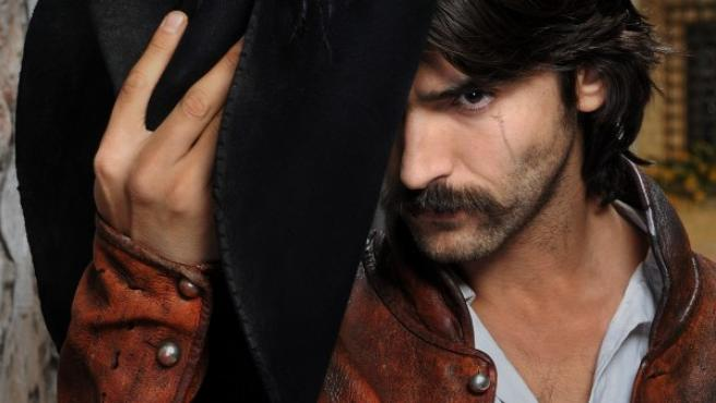 Aitor Luna en la serie 'Las aventuras el capitán Alatriste'.