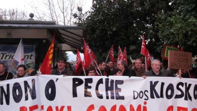 Protesta de trabajadores de kioscos gallegos en Santiago