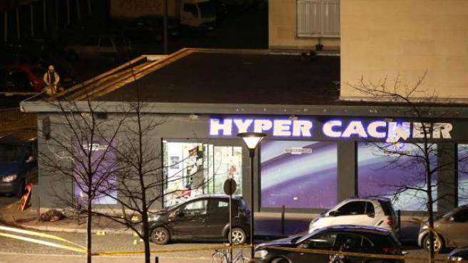 El supermercado 'kosher' en el que el presunto yihadista Amedy Coulibaly secuestró a más de una decena de personas en París.