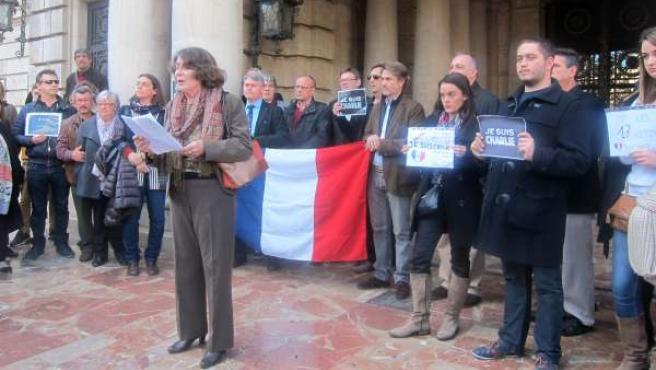 Concentración de franceses a las puertas del Ayuntamiento de Valencia