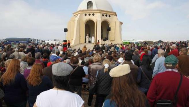 Unas 6.000 Personas En La Romería Que Celebra La Aparición De La Virgen Del Mar