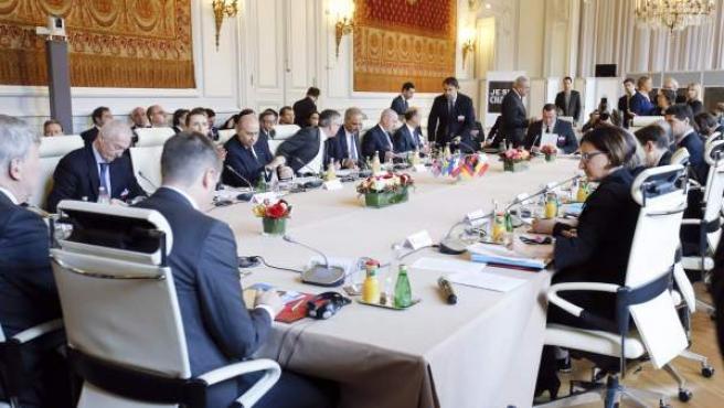 Reunión de los responsables de interior europeos y Estados Unidos en la cumbre antiterrorista en París.