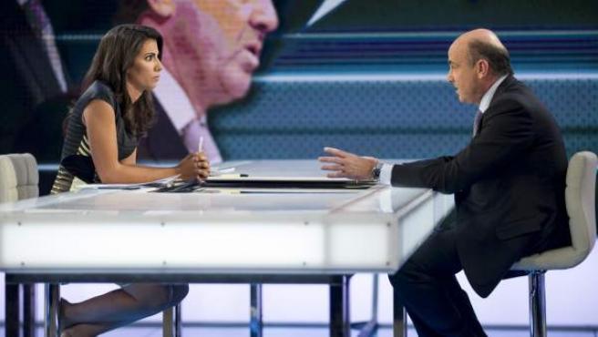 El ministro de Economía, Luis de Guindos, entrevistado en 'El Objetivo' de La Sexta.