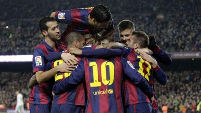 Los jugadores del FC Barcelona celebran el gol de Neymar ante el Atlético de Madrid.