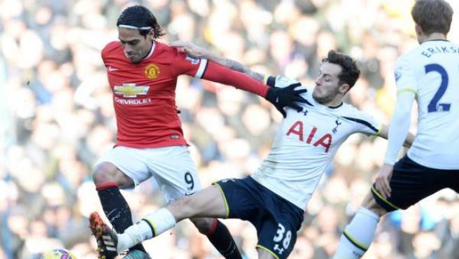 Radamel Falcao, con el Manchester United ante el Tottenham.
