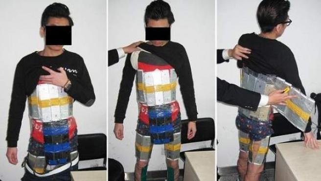 El joven detenido en China por tráfico de iPhones.